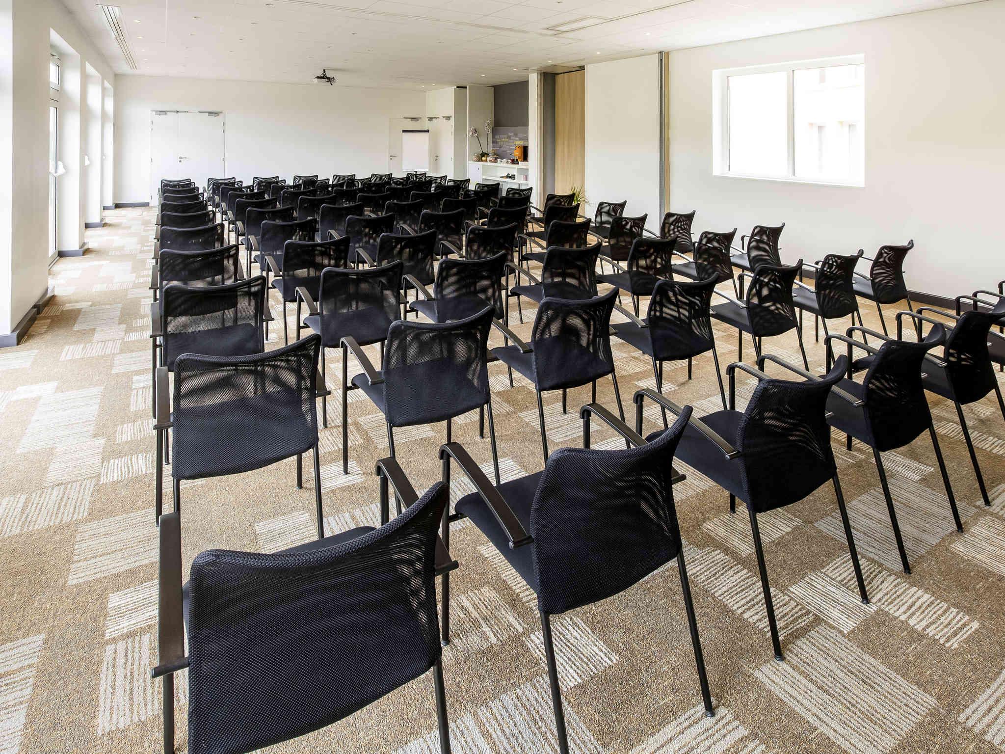 Salle de séminaire et réception